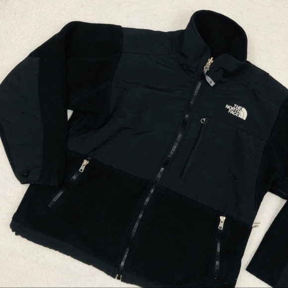 The North Face Jackets & Blazers - The North Face Black Denali Fleece Sweater/ Jacket